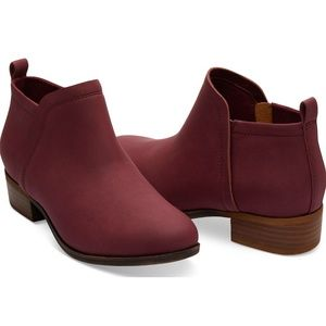 NWOT TOM'S Deia Burgundy Synthetic Leather Booties